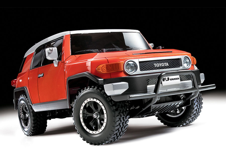 Go off-roading with this 1/10 scale Toyota FJ Cruiser RC from Tamiya