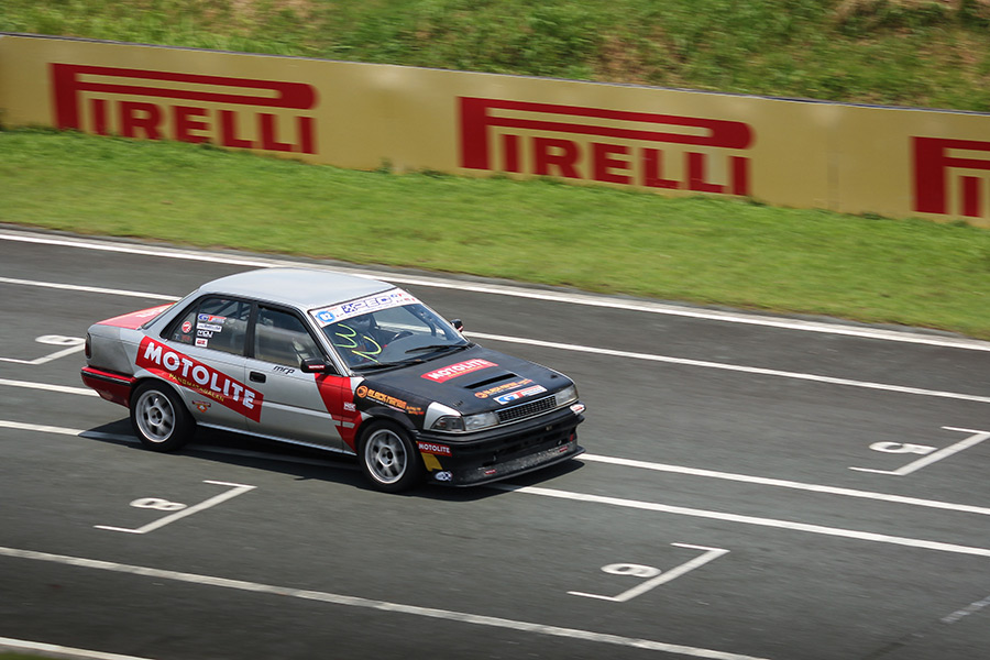 Eduardo Suiza Back On Top In Gt Radial Flatout Race Series