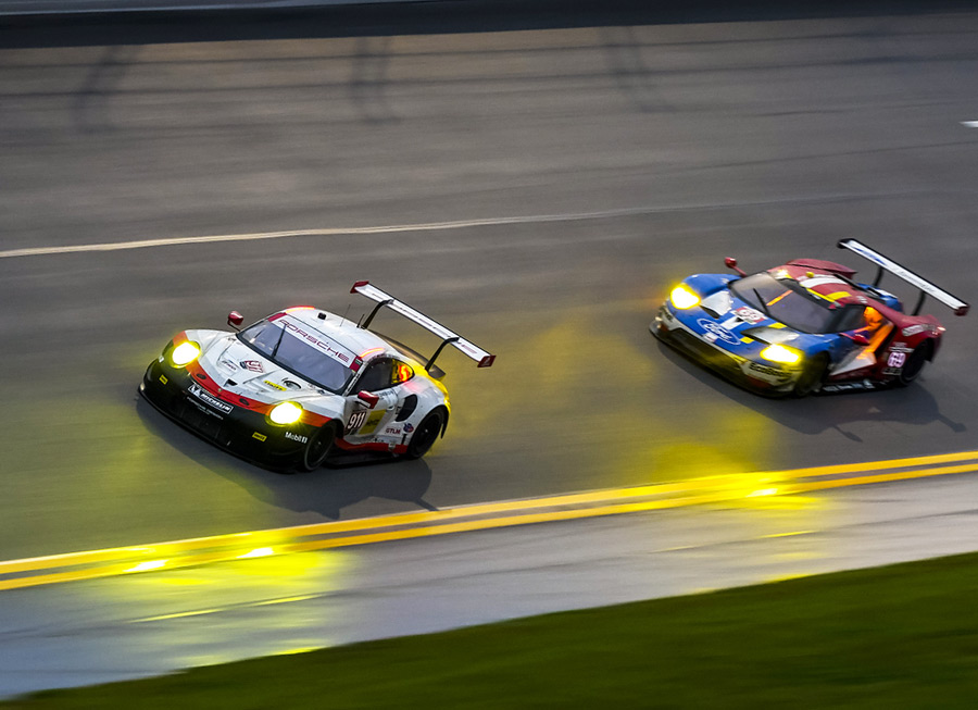 Porsche's crazy new mid-engined 911 RSR finishes 2nd at Daytona