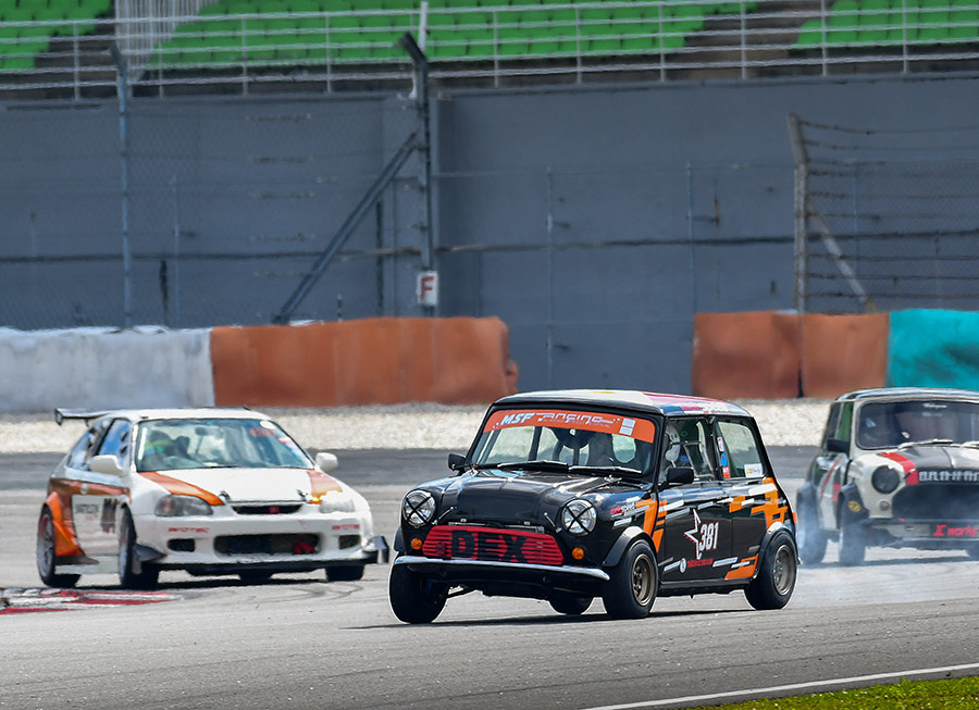 Dexter Daquigan enjoys Classic Mini Championship Asia excursion in Sepang