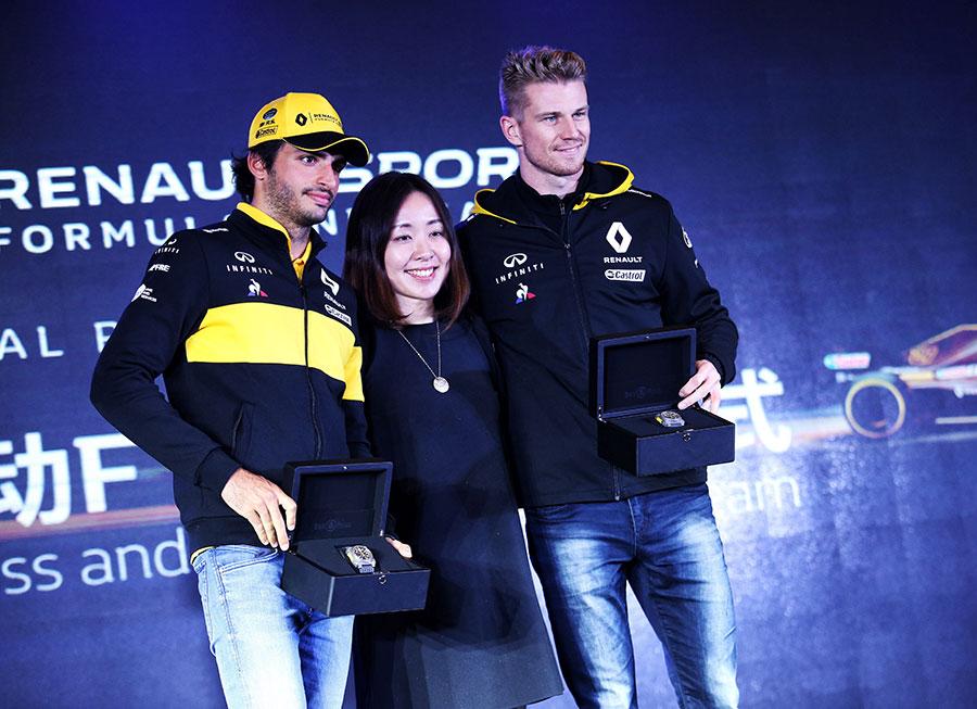Bell & Ross creates bespoke R.S.18 chronographs for Renault Sport F1 drivers