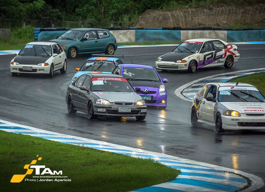Rain tests to see who has biggest balls in Petron FlatOut Race Series Rd 4