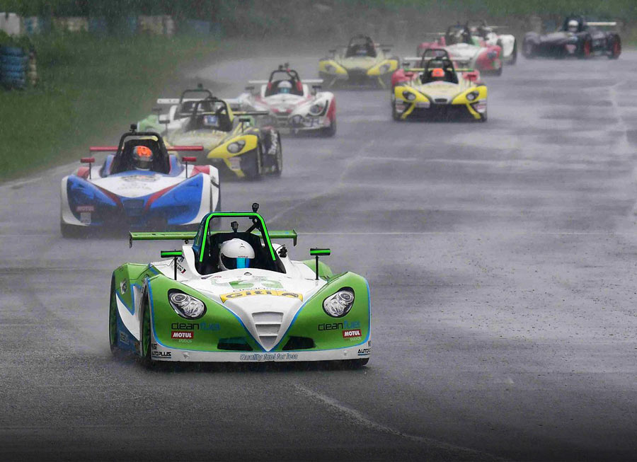 Gono, Smith share wins in wet and wild Giti-Formula V1 Challenge at CIS