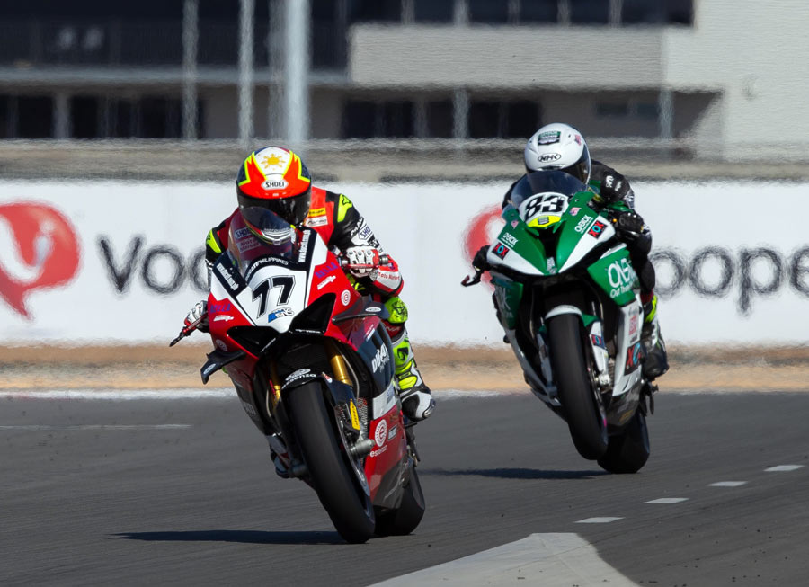 Access Plus-Ducati Ph-Essenza duo secure points in ASB1000 outing at The Bend