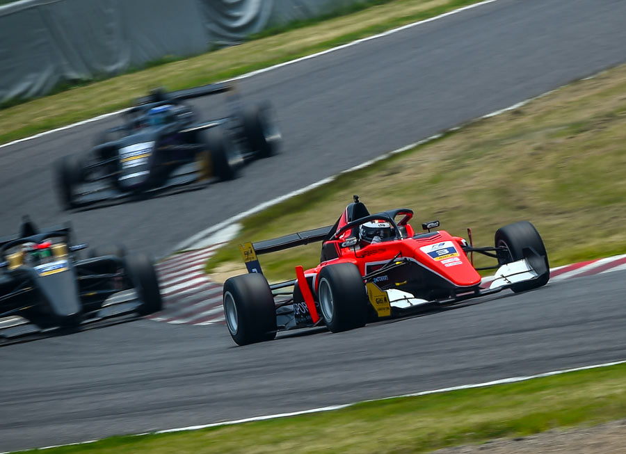 Pinnacle Motorsport delivers podium finish in F3 Asian outing at Suzuka