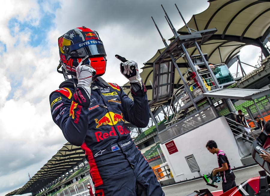 Jack Doohan and Pinnacle Motorsport closes in on F3 Asian title with hat-trick at Sepang